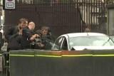 رجال الشرطة خلال اعتقال السائق