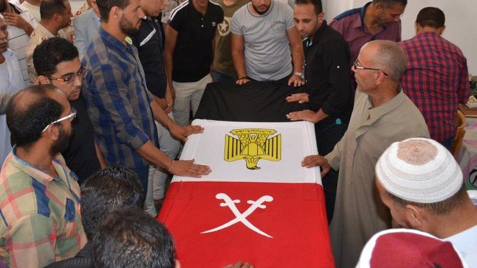 جنازة جندي قُتل في أعمال العنف في سيناء