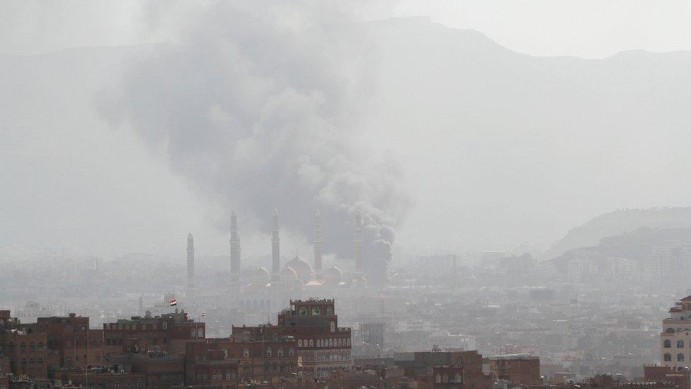 شنت الطائرات السعودية غارات على اهداف للحوثيين فيما يبدو دعما لعلي عبد الله صالح
