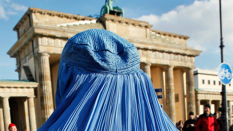 اليمين المتطرف طالب بمنع شامل للنقاب في ألمانيا