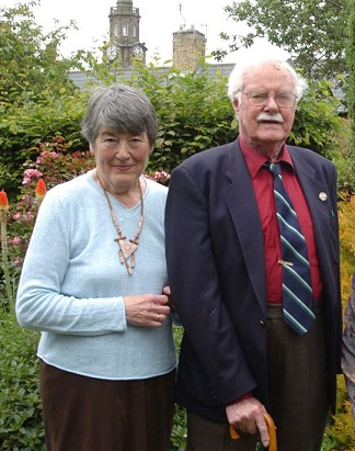 لوماكس وزوجته باتي ٣