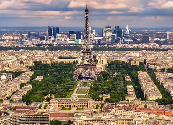 ارتفاع قياسي لأسعار العقارات في باريس