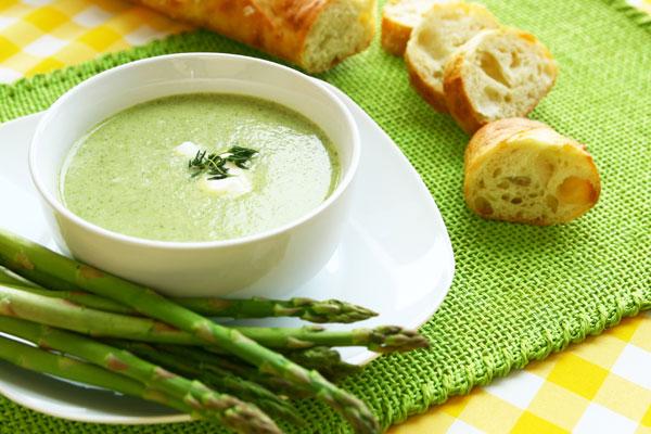 حساء الهليون المغذي