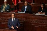 رئيس الحكومة التونسية يوسف الشاهد مجيبا على تساؤلات النواب في البرلمان
