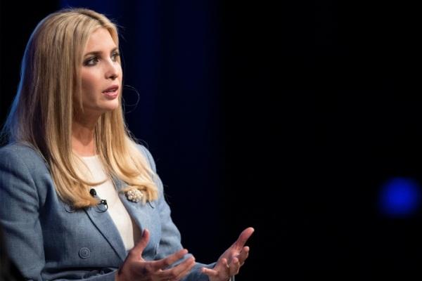 ابنة الرئيس الأميركي ايفانكا ترمب خلال حلقة نقاش في واشنطن
