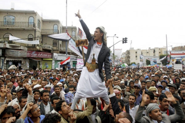 الحوثيون يخطفون معارضي انقلابهم