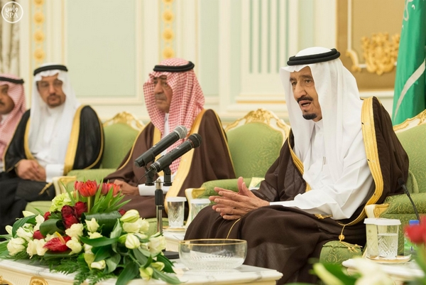 العاهل السعودي يشيد بتطور التعليم: شكرا للعرب