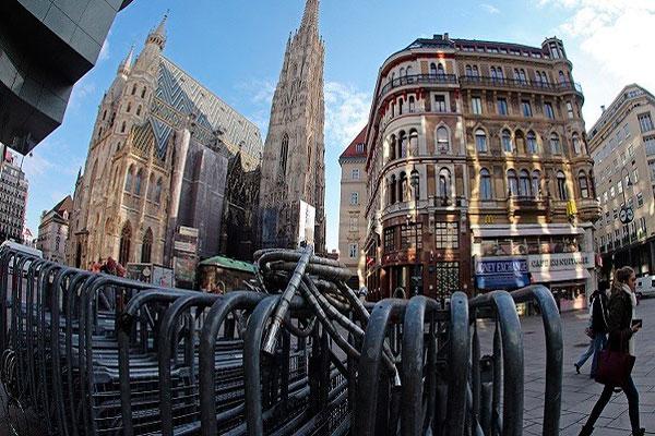 النمساويون متسامحون مع المثلية ومتشددون ضد الإسلام