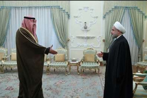 الرئيس الإيراني في استقبال الشيخ صباح خالد الحمد