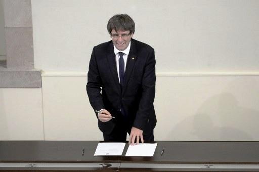 رئيس كاتالونيا يوقّع