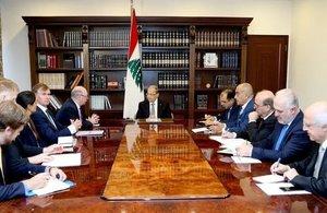 اجتماع الجانبين اللبناني والبريطاني في قصر بعبدا
