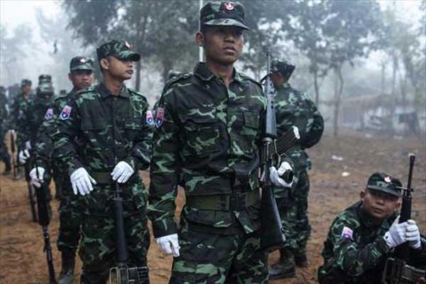 جنود في الجيش البورمي