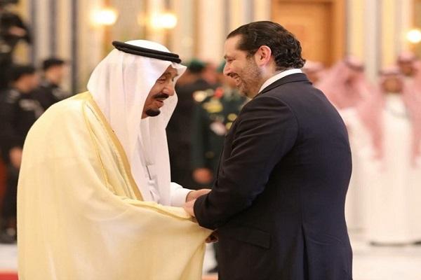 العاهل السعودي الملك سلمان بن عبد العزيز عقب عودته الرياض قادما من المدينة وفي استقباله سعد الحريري