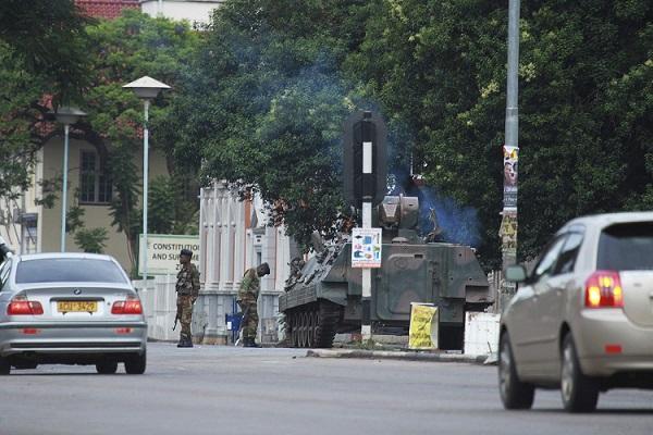 الجيش في زيمبابوي ينتشر في الشوارع