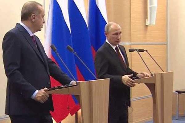 بوتين وأردوغان خلال مؤتمرهما الصحفي المشترك