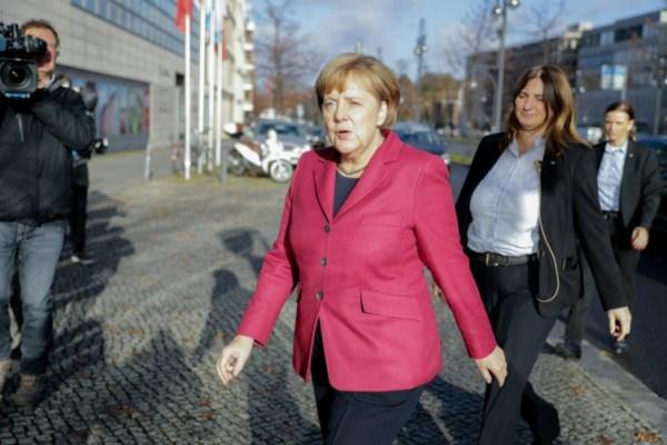 ميركل تصل الى مقر حزبها في برلين في 17نوفمبر 2017