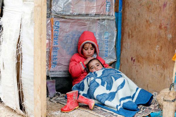 نازحان صغيران في العراق
