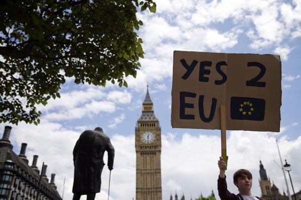 دول أوروبية تريد حماية نفسها من ارتدادات الهزة البريطانية
