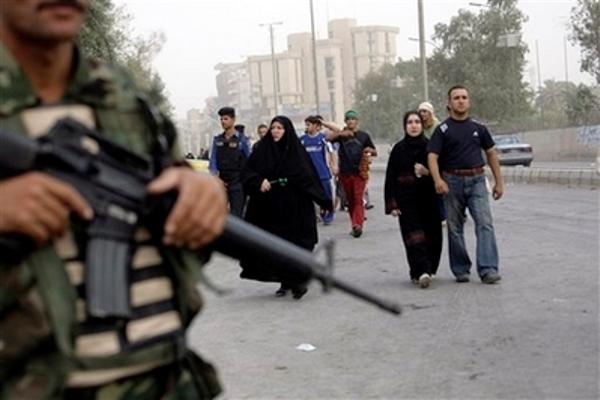 عراقيون يتوجهون الى الكاظمية لاحياء ذكرى وفاة الامام موسى الكاظم