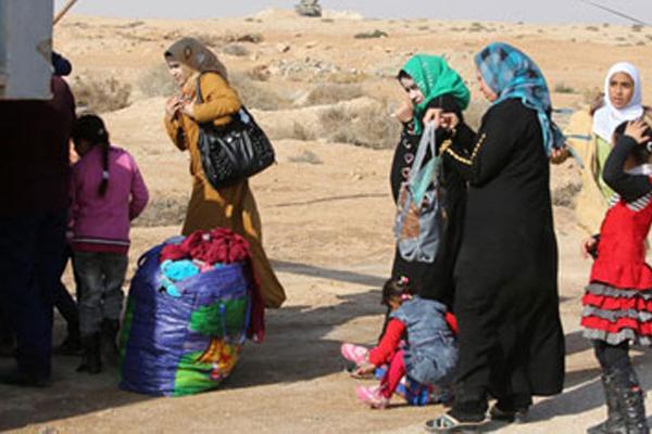 ايزيديات ناجيات من داعش