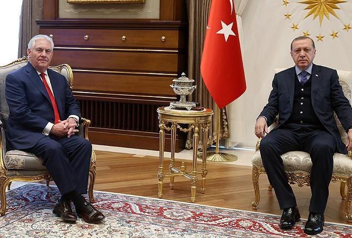 أردوغان مستقبلا وزير الخارجية الأميركي في أنقرة