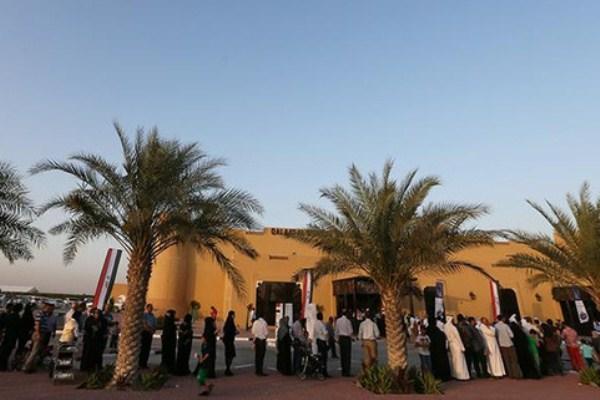 عراقيون يدلون بأصواتهم في دبي خلال انتخابات سابقة