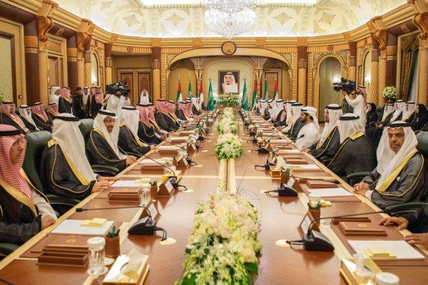 جانب من الاجتماع الأول لمجلس التنسيق السعودي الإماراتي