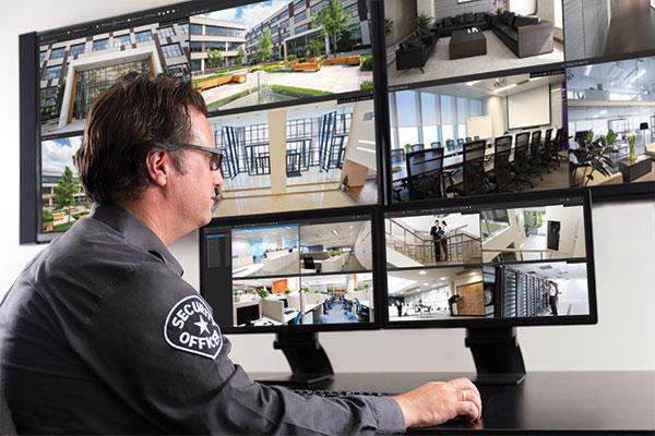 مراقبة المذنبين الكترونيا وهم في بيوتهم توفر الكثير من المال العام في دول غربية