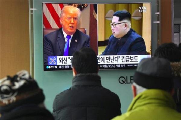 كوريون جنوبيون يتابعون لقاء ترمب وكيم