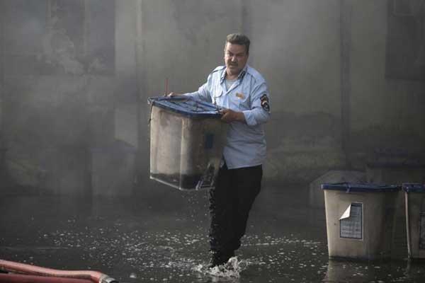 نقل صناديق الاقتراع من مخزنها المحترق في بغداد
