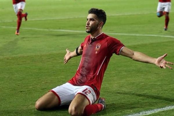 وليد أزارو المهاجم المغربي الذي قاد الأهلي الى النهائي بـ