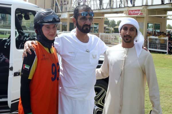 محمد بن راشد آل مكتوم يشهد سباق الوصل