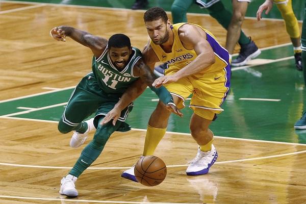 الفوز الـ 11 تواليا لبوسطن في دوري السلة الأميركي