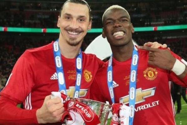 إبراهيموفيتش وبوغبا كانا في صفوف مانشستر يونايتد في الموسم الماضي عندما فاز بكأس رابطة الأندية الإنجليزية المحترفة