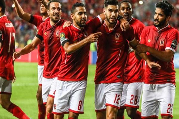 الأهلي يسعى لانتزاع المركز الثاني في الدوري المصري