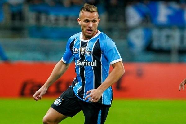 اللاعب البرازيلي الشاب آرثر هينريك ميلو، لاعب وسط نادي غريميو البرازيلي