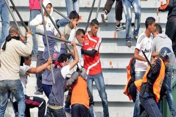 إصابة 10 أشخاص في أعمال شغب جديدة في الملاعب المغربية