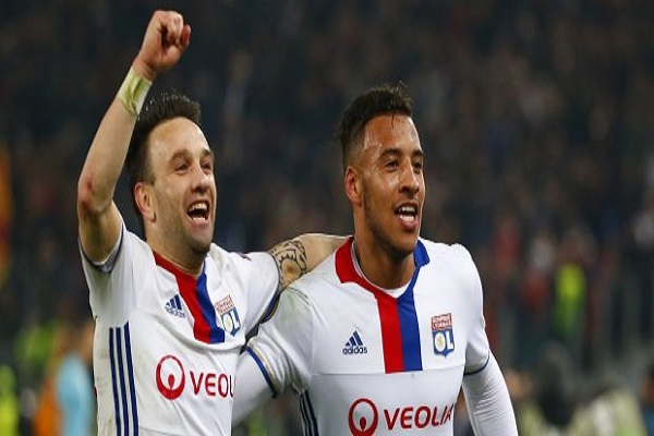 ليون إلى المركز الرابع في الدوري الفرنسي