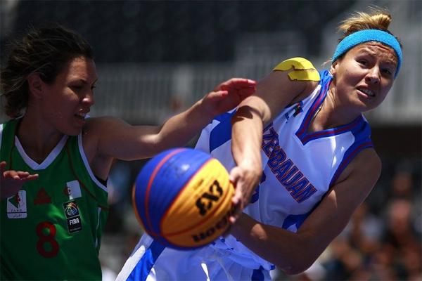 سجل المنتخب الجزائري لكرة السلة (3×3) للسيدات انطلاقة متواضعة في دورة العاب التضامن الاسلامي الرابعة بعدما تلقى خسارتين