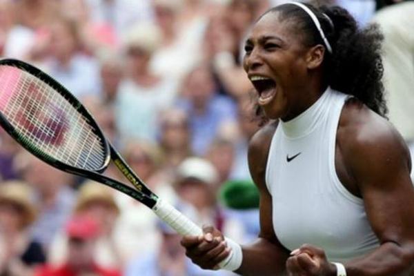أطلقت نجمة كرة المضرب الأميركية سيرينا وليامس صرخة نصرة للنساء السود تطالب فيها بتحقيق المساواة في الأجر
