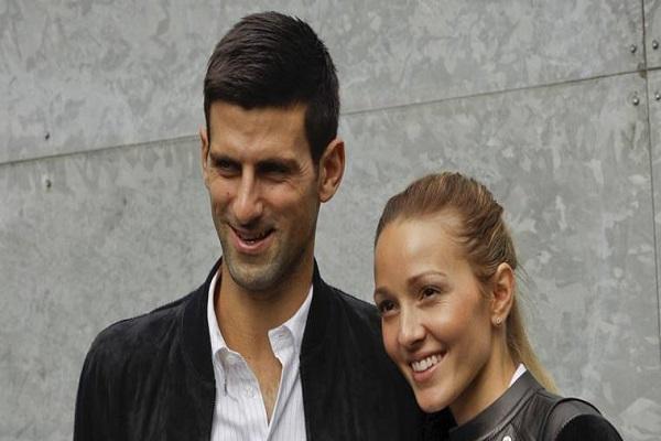 لاعب كرة المضرب الصربي نوفاك ديوكوفيتش وزوجته يلينا