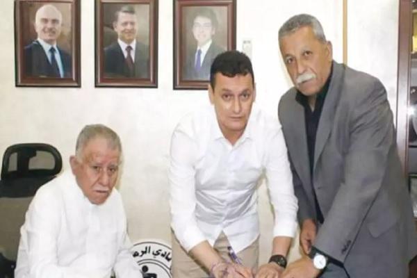 الرمثا يتعاقد مع المدرب الجزائري رحموني