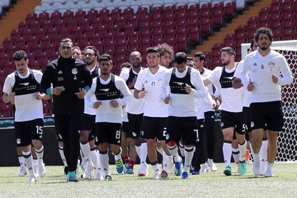 المنتخب المصري أثناء التمرين في غروزني بالشيشان
