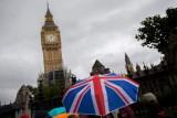 تراجع الصناعة البريطانية واحتفاظ الصينية بالصدارة