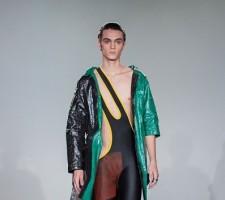 نيل غروتزينغر يكسر قواعد الموضة الرجالية