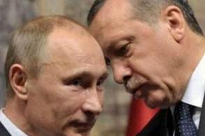 أردوغان هامسا في أذن بوتين في لقاء سابق بينهما
