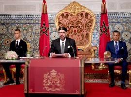 الملك محمد السادس لدى توجيهه خطابًا للشعب المغربي بمناسبة ذكرى ثورة الملك والشعب