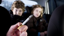 التدخين السلبي في الطفولة