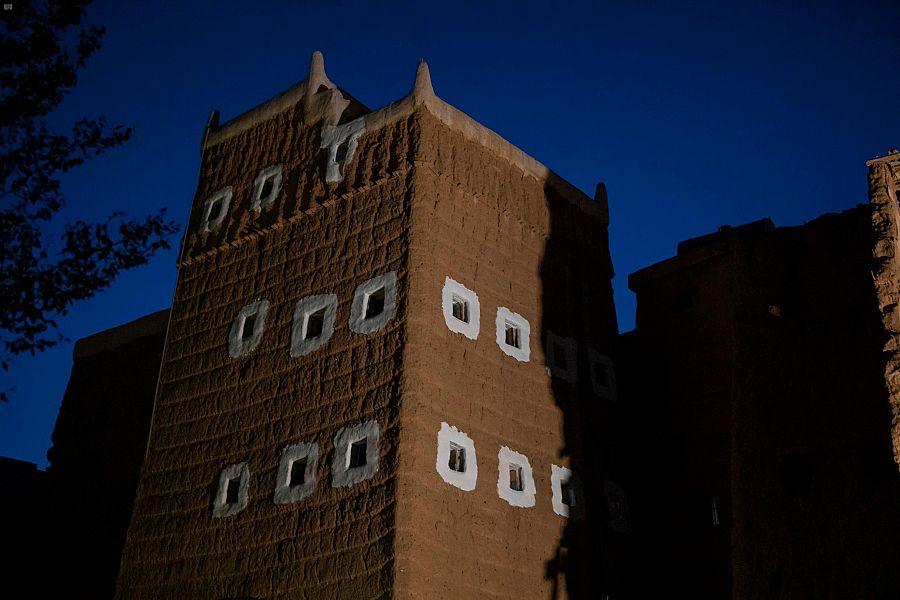 ترميم مبان في الحوزة يعود تاريخها إلى 100 عام