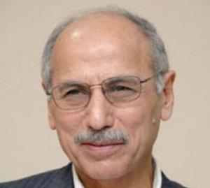 الصحافي الكويتي عدنان حسين